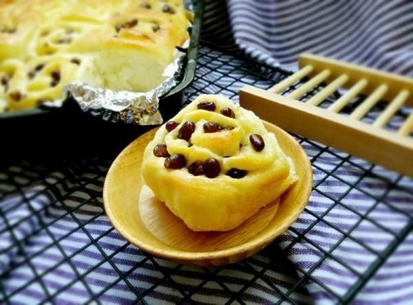蜜豆面包卷