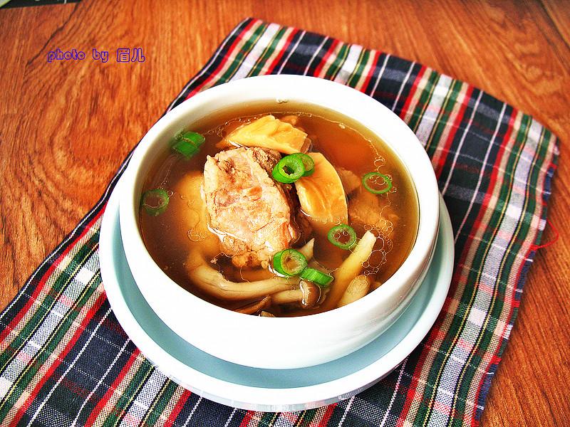 墨鱼干排骨汤的做法
