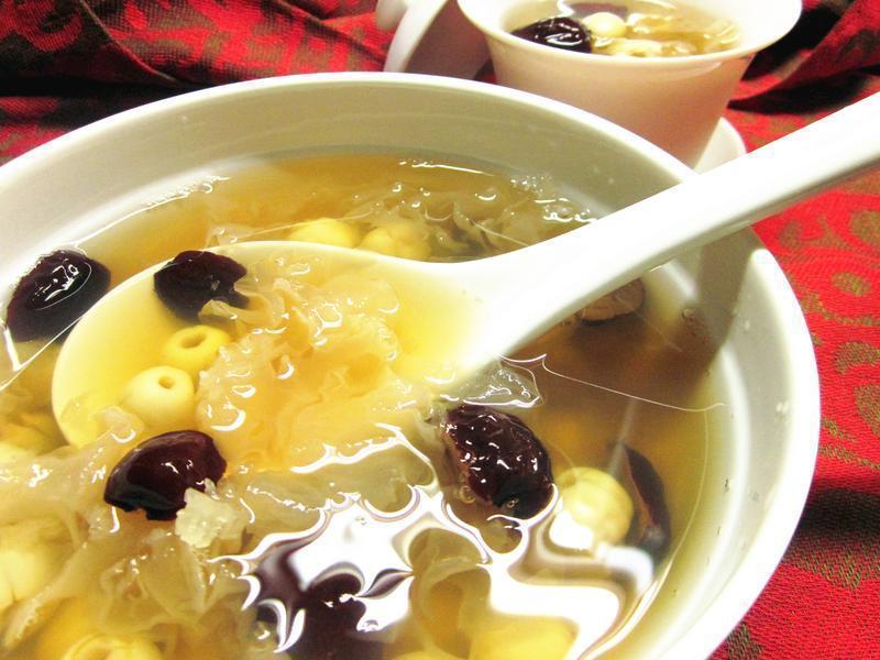 木耳红枣莲子汤