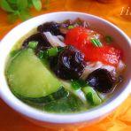 木耳南瓜面条汤的做法