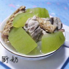 排骨鱿鱼节瓜汤