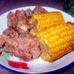 排骨炖玉米的做法