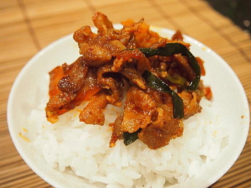 泡菜炒猪肉
