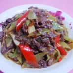 泡椒莴笋炒牛肉