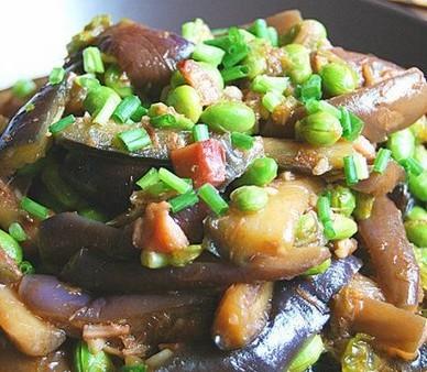 茄子毛豆烧咸鱼粒