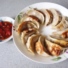 芹菜香菇肉煎饺