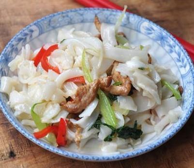 青菜肉丝炒河粉