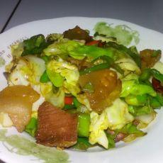 青椒包菜熏肉片
