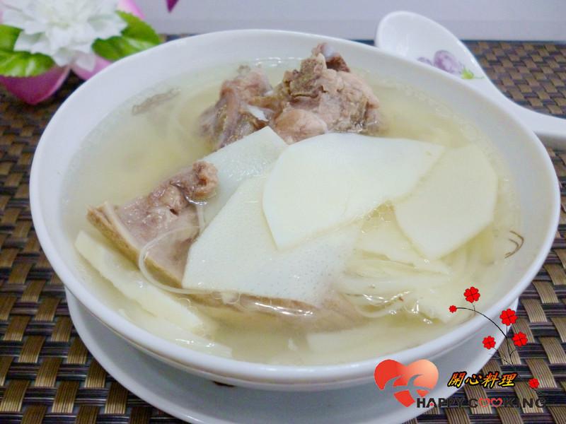 清炖排骨笋片汤
