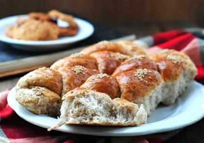 全麦麸皮面包