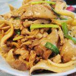 肉丝炒鸡枞菌