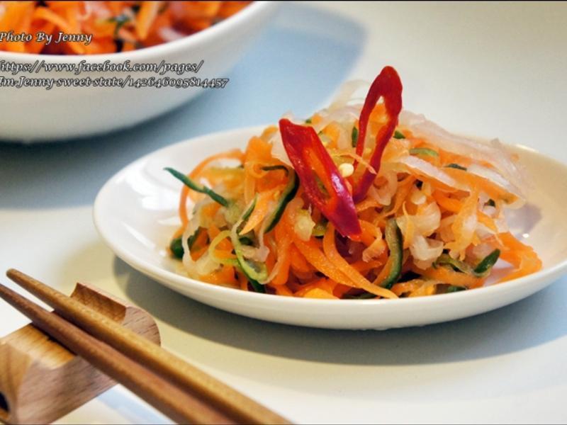 三色酸辣泡菜的做法