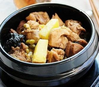砂锅土豆鸡