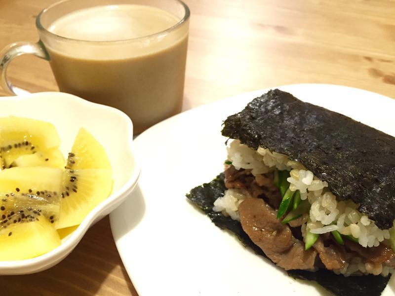 烧肉海苔包饭