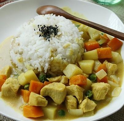 时蔬咖喱鸡肉