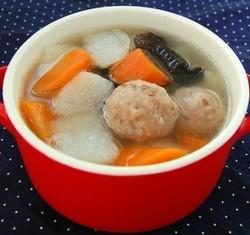 时蔬肉丸汤