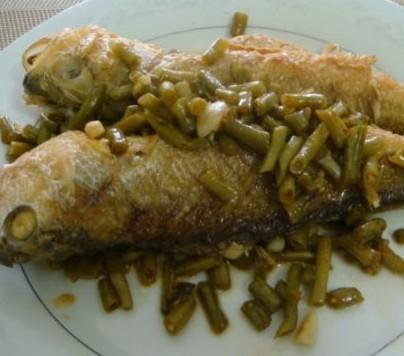 酸豆角焖黄花鱼