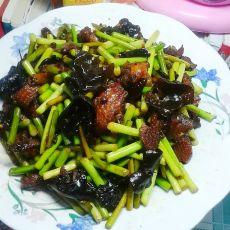 蒜苔炒鸡的做法