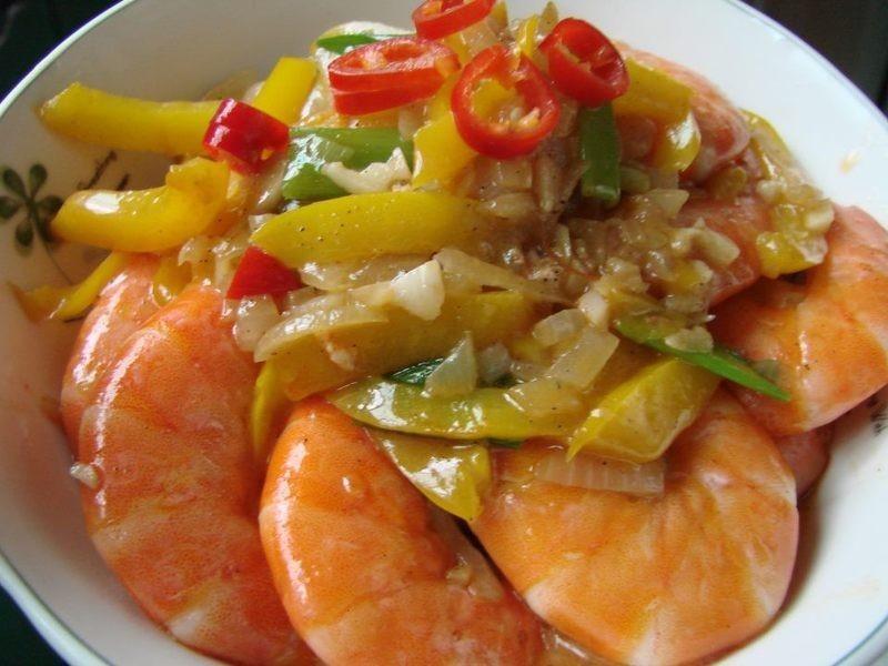 蒜味蔬菜炒虾