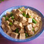 蒜薹豆腐丁