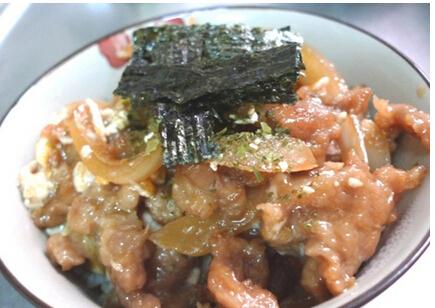 台式洋葱肉羹盖饭