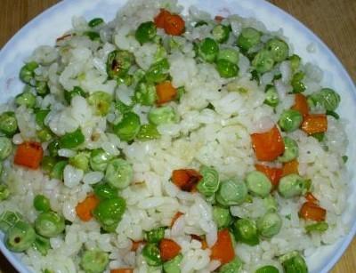 豌豆胡萝卜炒饭