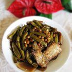 咸菜焖酥鱼