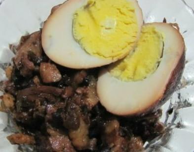 香菇芽菜卤肉饭