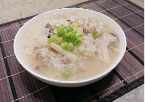 香菇竹笋咸粥的做法
