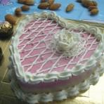 鲜奶油心形蛋糕