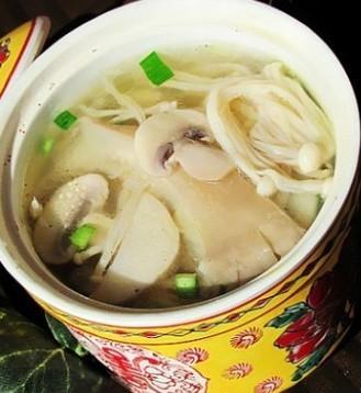 鲜味菌菇汤