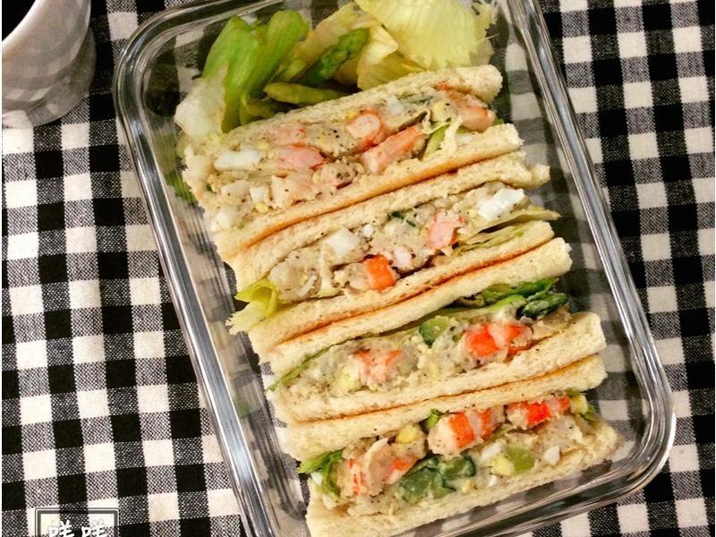 鲜虾蛋沙拉三明治