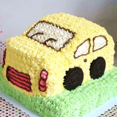 小汽车奶油生日蛋糕