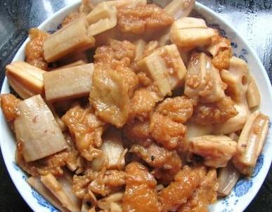 小酥肉炖藕