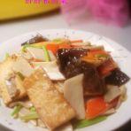 杏鲍菇炖豆腐