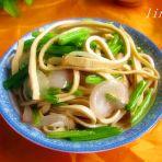 洋葱芹菜豆腐丝