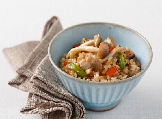 野菇鸡肉炊饭