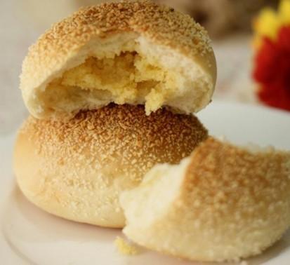 椰蓉奶酥面包
