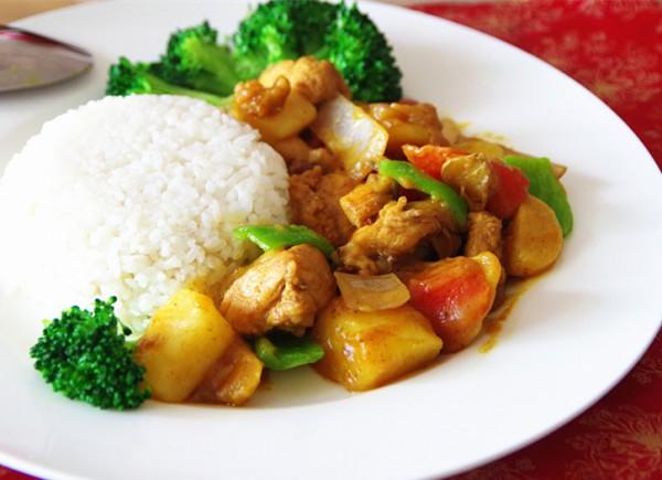 营养咖喱鸡肉饭