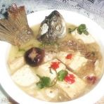 鱼头鱼尾炖豆腐粉丝