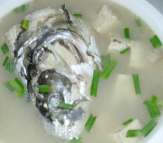 鱼头煲冻豆腐