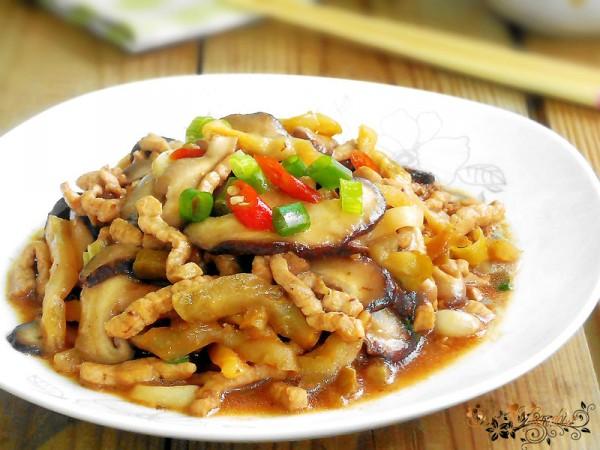 榨菜香菇炒肉丝的做法