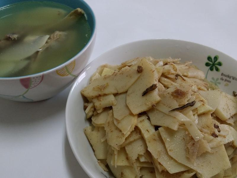 竹笋鸡骨汤、沙茶炒竹笋
