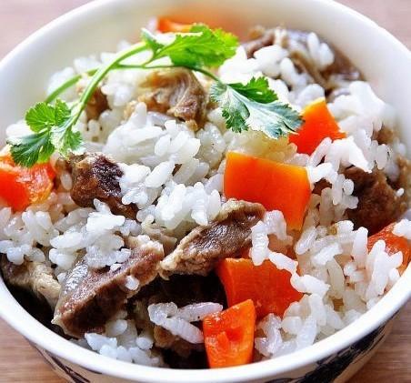 孜然羊肉胡萝卜焖米饭
