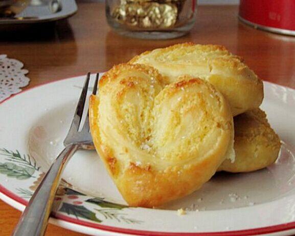 自制心型椰蓉面包