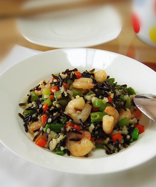 菰米虾仁炒饭
