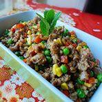 蚝油肉碎炒杂蔬