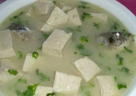 鲫鱼冻豆腐汤的做法